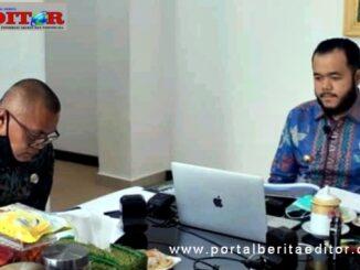 Walikota Fadly Amran didampingi Kadis Perdakop Kota Padang Panjang, Arpan, di Webinar Metrologi