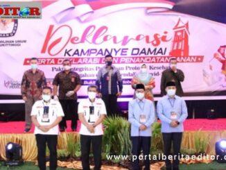 Dua Paslon peserta Pilkada pemilihan Wako - Wawako Bukittinggi yang menghadiri acara deklarasi pilkada badunsanak.