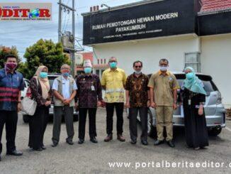 Kesmevet Kementrian Pertanian RI bersama Kadis Pertanian Propinsi dan Wako Payakumbuh dan Kadis Pertsnian Payakumbuh Devi Sastra.