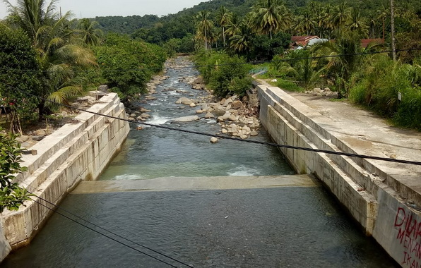 Pembangunan bendungan yang telah dirasakan manfaatnya.