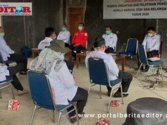 Plt Ketua PMI Solsel Hapison saat memberikan arahan kepada peserta pelatihan keahlian bencana.