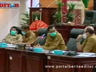 Sekwan DPRD DPRD Provinsi Sumatera Barat Raflis SH.MMsaat memberikan pengarahan kepada Karayawan dilingkungan DPRD Sumbar