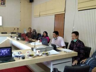 Dewan Juri Lomba Kesejarahan dari Rumah yang digelar oleh BPNB Sumbar saat menilai para peserta.