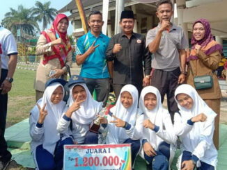 SMP Muhammadiyah 6 Padang saat meraih Juara 1 Lomba Gerak Jalan Tepat Waktu di peringatan Hari Jadi Kota Padang ke-350 Tahun. (Dok. Istimewa)