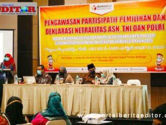 Kepala BKPSDM Bukittinggi tengah menyampaikan sambutan mewakili Pjs Wako pada kegiatan pengawasan partisipatif pelimihan dan deklarasi netralitas ASN.