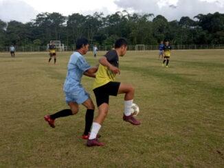 Kesebelasan PWI Solsel saat gelar laga persahabatan dengan Bhayangkara FC Polres Solsel berakhir 3-1..