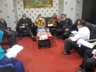 Komisi II DPRD Kota Padang saat berkunjung ke UPTD.