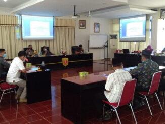 Ninik Mamak Nagari Bawan dan Nagari tiku v Jorong Rapat Di Aula Kantor Bupati Agam.