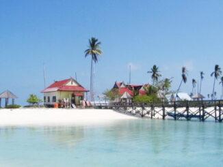 Obyek wisata Pulau Tinabo.