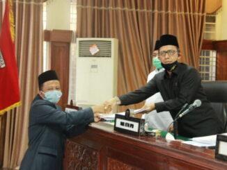 Penyerahan Ranperda inisiasi DPRD Kota Bukittinggi.