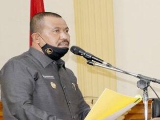 Plt Wali Kota Pariaman Mardison Mahyuddin. Menyampaikan Paparan APBD Di Depan Sidang Paripurna secara DPRD Kota Pariaman