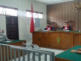 Sidang di PN Lubuk Sikaping.