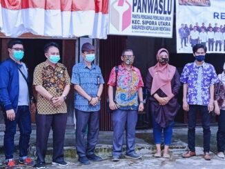 Tim Bawaslu Provinsi Sumatera Barat di Tua Pejat, Mentawai.