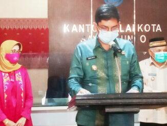 Walikota Sawahlunto saat jumpa pers.