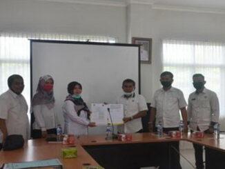 Foto bersama usai penandatangan kerjasama.