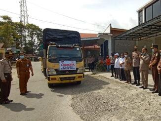Pelepasan pendistribusian logistik Pilkada di Pasaman.