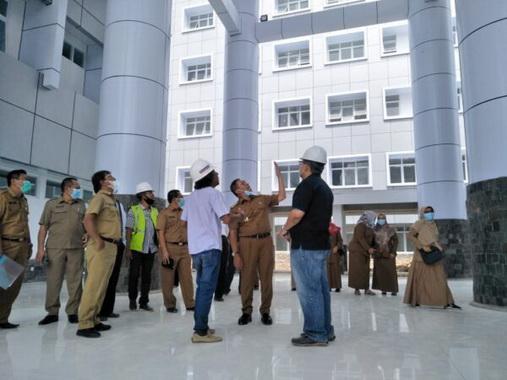 Peninjauan pembangunan RSUD Bukittinggi.