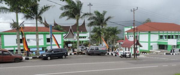 RSUD sumber PAD terbesar di Padang Panjang.