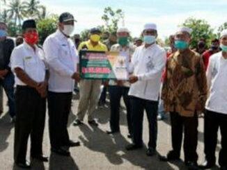 Tukang Ojek dan Sopir Angkot di Pariaman yang menerima zakat.