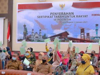 Gubernur Sumbar saat mengikuti acara virtual.