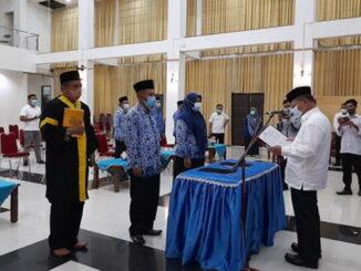 Bupati Ali Mukhni melantikan perwakilan 8 pejabat fungsional.