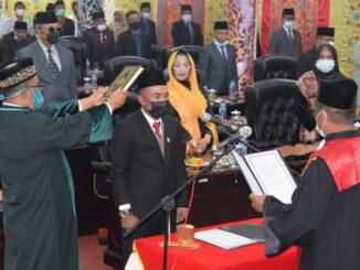 Pelantikan Dodi Hendra sebagai Ketua DPRD Kab. Solok.