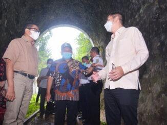 Sekretaris Dirjen Perkeretaapian tinjau rel Jalur wisata bersama walikota dan wakil Walikota Sawahlunto.
