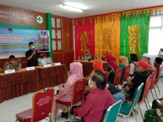 Anggota DPRD Padang Faisal Nasir saat memberikan kata sambutan dalam acara rakorbang KelurahanSurau Gadang