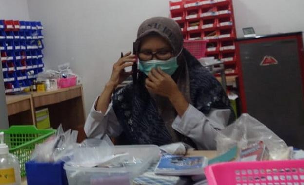 Asisten Apoteker RS M Djamil Padang Ani.