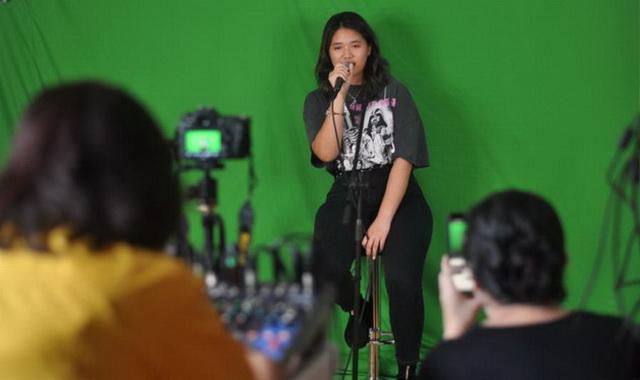 Bea Serendy saat tampil di Prima Founder Show.