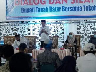 Bupati Zuldafri Darma saat memberi sambutan.