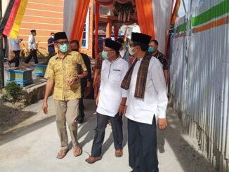 Gubernur Irwan Prayitno saat meresmikan Masjid Almustasyfa.