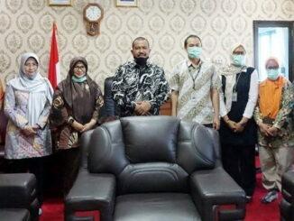 Ketua BPK Perwakilan Sumbar bersama Walikota Pariaman.