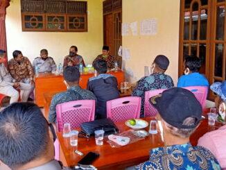 Leonardi saat pertemuan dengan masyarakat Kudu Ganting Barat.