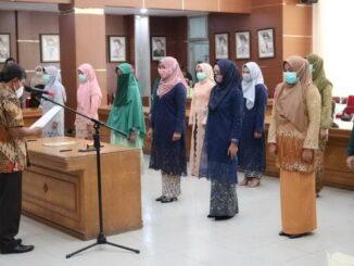 Pelantikan pejabat fungsionsl oleh Wako Bukittinggi, diwakili Sekdako Yuen Karnova.