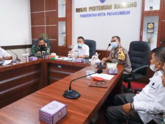 Pemko Payakumbuh mediasi pertemuan antara pengusaha Bro Cofe dengan masarakat setempat.