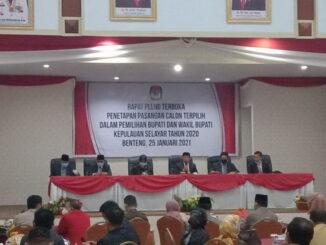 Rapat pleno KPU Selayar.