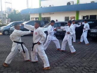 Satpam Pertamina yng rutin berlatih karate.