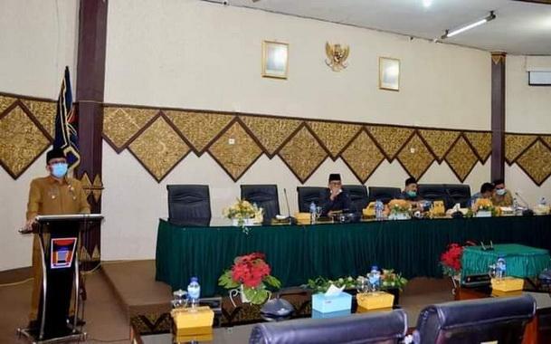 Sidang Paripurna DPRD Kota Padang.