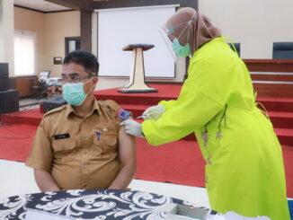Vaksinasi kedua di Balaikota Payakumbuh.
