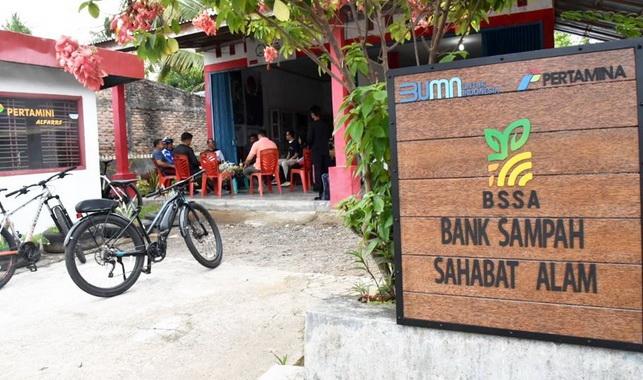 Bank Sampah Sahabat Alam (BSSA) di Desa Kampung Apar, Kecamatan Pariaman Selatan,