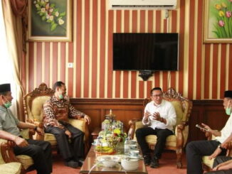 Bupati Ade Putra saat berkunjung ke IAIN Batusangkar.