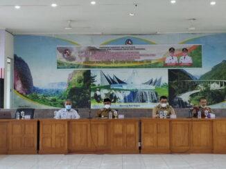 Bupati Safaruddin saat membuka rapat TBP Kab. Lima Puluh Kota.