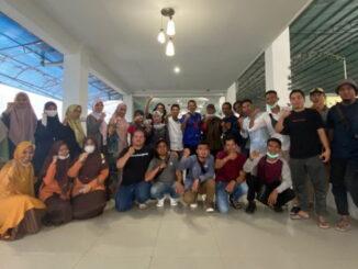 Foto 2 - Foto bersama para peserta dan narasumber Workshop Peningkatan Kapasitas Pegiat Literasi Pasaman Barat, Sabtu 13 Maret 2021. (Dok. Istimewa)