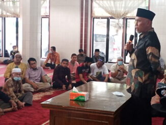Gubernur Mahyeldi saat memberi ceramah.