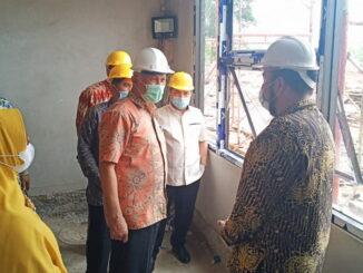 Gubernur Mahyeldi saat mengunjungi pesantren RLI.