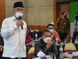 Gubernur Mahyeldi saat menyampaikan visi misi pembangunan Sumbar.