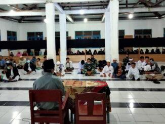 Kegiatan do'a bersama di Pesantren Hidayatullah.