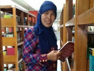 Lifya, salah seorang penulis buku peraih rekor MURI Dunia 'Kumpulan Pantun Nasihat'.