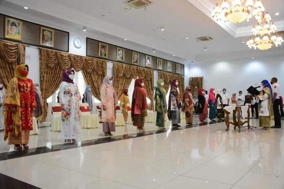 Pelantikan ketua Dekranasda 11 kabupaten dan kota di Sumbar.